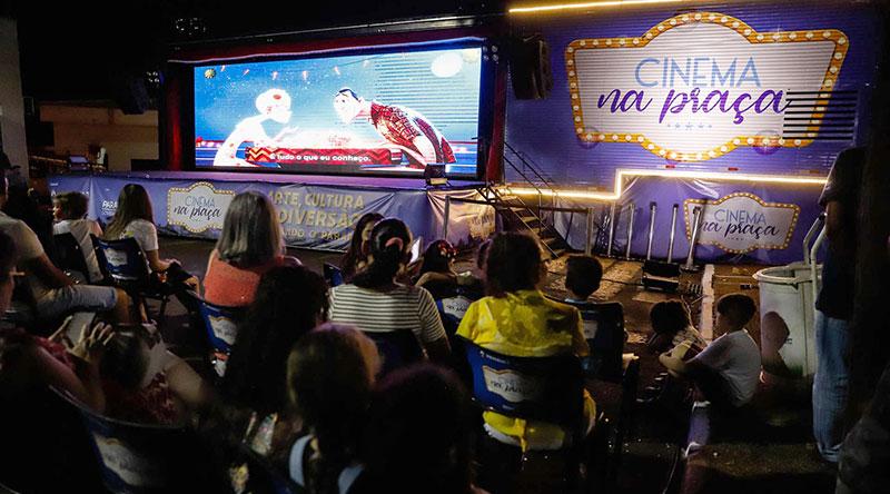 Cinema na Praça inspira estudantes em redação do Enem