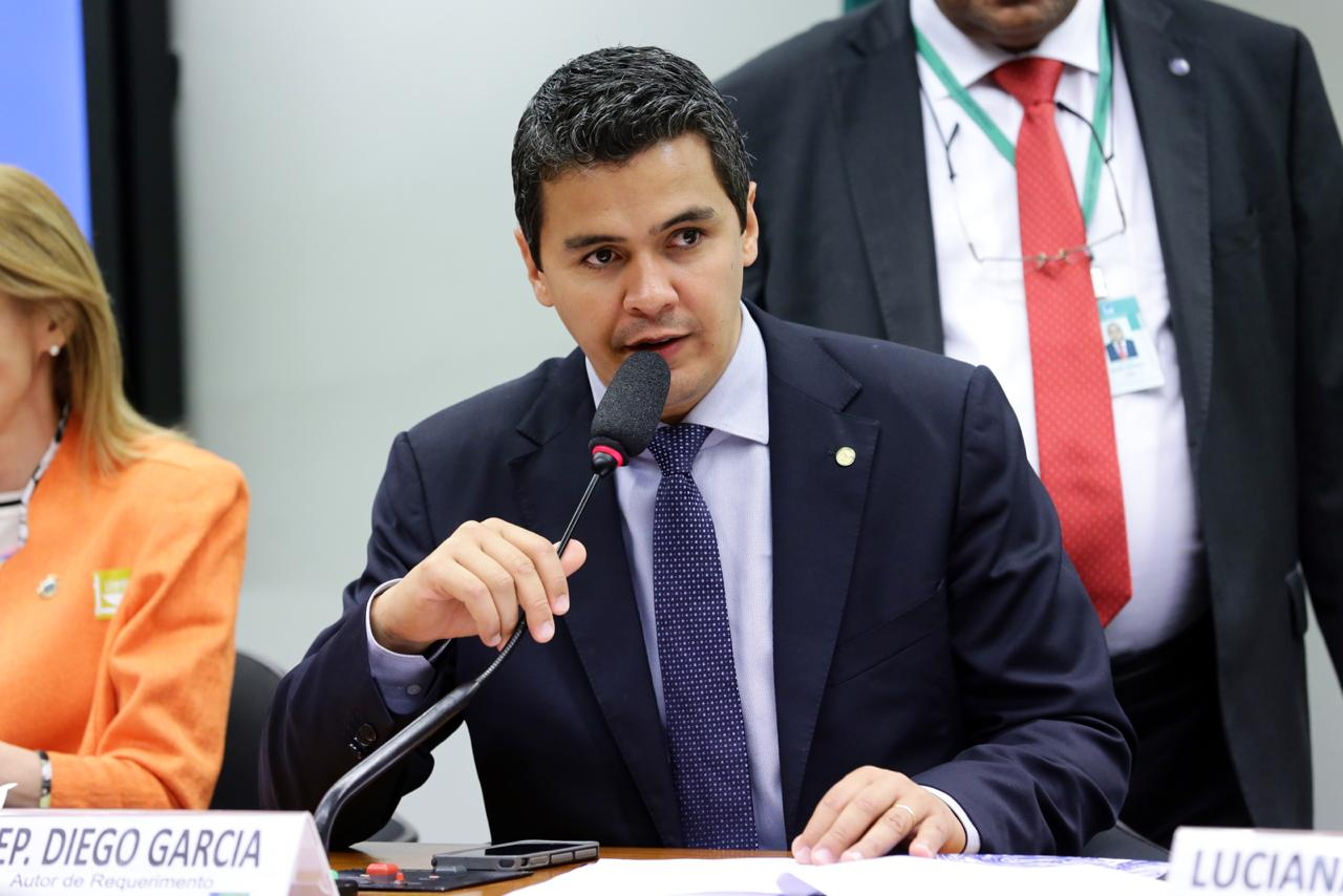 Comissão aprova proposta para ampliar o programa de apadrinhamento de crianças e adolescentes em abrigos