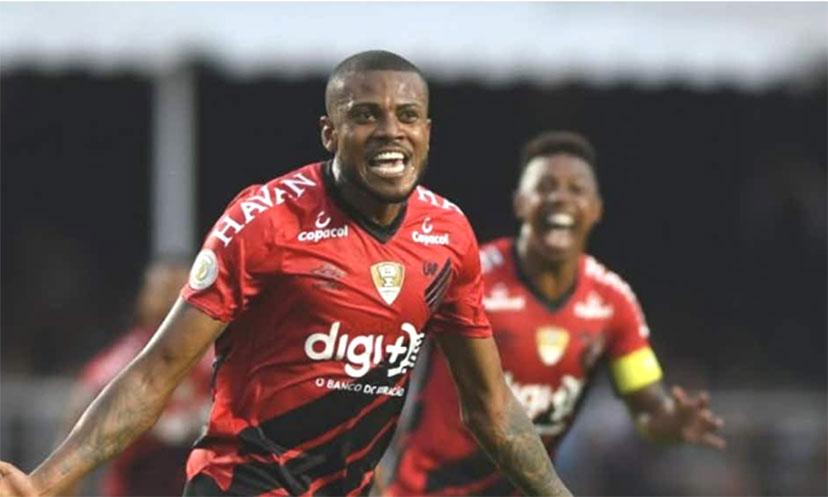 Volpi assume responsabilidade por falha em gol do Athletico-PR
